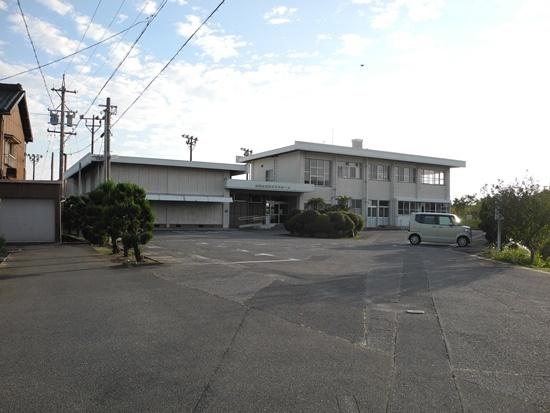 (写真2)勤労青少年ホーム跡地。公共施設再配置の一環として2017年8月にすでに閉館している(写真:茂木俊輔)