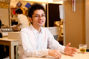 成瀬・猪熊建築設計事務所の猪熊純氏。首都大学東京助教も務める(以下、人物写真の撮影は尾関裕士)