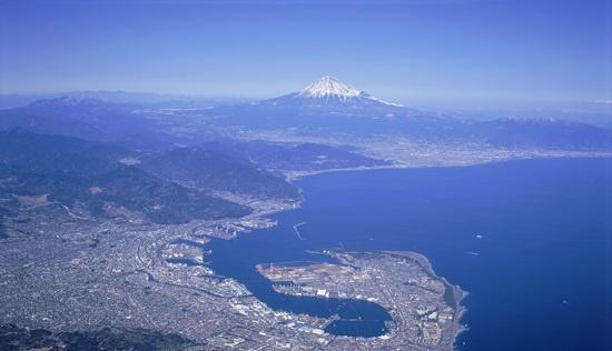 富士山や南アルプス、駿河湾をはじめ、豊富や自然景観を持つ静岡市(画像提供:静岡市)