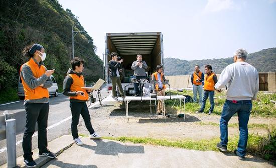 長崎県五島市で行われた離島間無人物流実証実験の様子