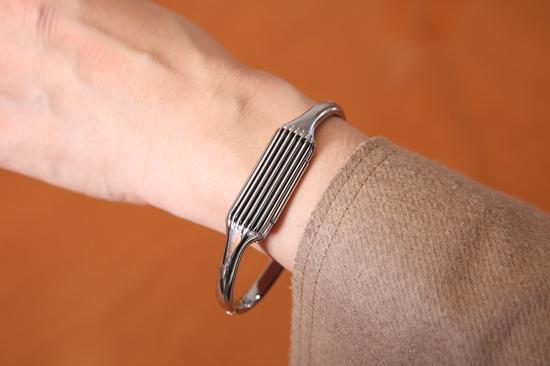 Fitbitには女性がアクセサリー感覚でつけることができるタイプもあり、幅広い層に支持されている