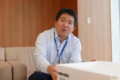 日本通運 事業開発部 課長の森重勝己さん。「飛び箱」には森重さんのアイデアがふんだんに取り入れられている(写真:高山和良)