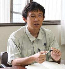 タキイ種苗研究農場生理化学研究グループの富永直樹さん(写真:編集部)