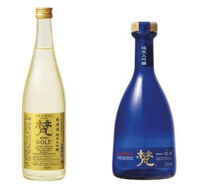 福井県の蔵元・加藤吉平商店が製造・販売する海外の人気銘柄「梵・ゴールド」(左:純米大吟醸)。パリで開催される日本酒コンテスト「Kura Master」で2017年と2018年の2年連続で金賞を受賞した。右は、SFIWC(サンフランシスコ・インターナショナル・ワイン・コンペティション)でダブルゴールドメダル(最高賞)を受賞した「梵・地球」(写真提供:加藤吉平商店)