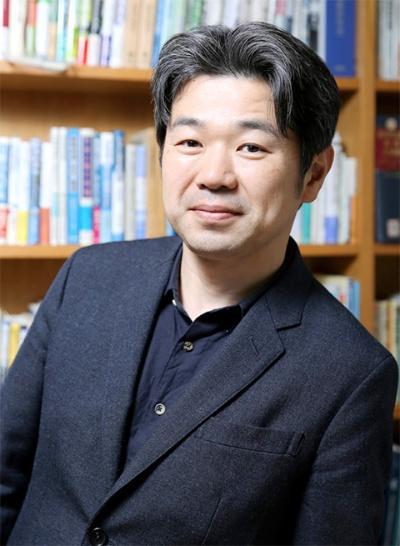 水産資源のエキスパートでこの分野のオピニオンリーダーの1人である東京海洋大学 准教授の勝川俊雄(かつかわとしお)氏。一般社団法人「海の幸を未来の残す会」の理事も務める