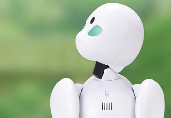 (写真7)分身ロボット「OriHime」は高さ21.5センチ、重さ587グラムで片手で持てるロボット(オリィ研究所のホームページより引用)