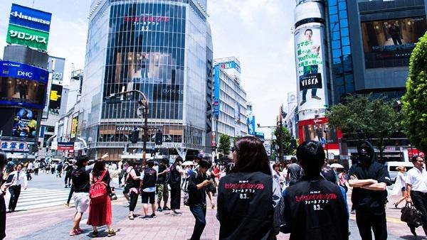「渋谷フォールアウト」のワンシーン(写真提供:バスキュール&電通ライブ)