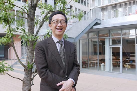 日本には、部材メーカー、製造装置メーカーなどを中心とする世界に誇る半導体産業のエコシステムが残っていると語る黒田教授。d.labとRaaSを中心に、新しい半導体技術を構築できれば、世界の最先端に付いていくことはできるという。ただ、この5年間が勝負の時であり、日本にとっては残された最後のチャンスだと黒田教授は見ている(写真:高山和良)