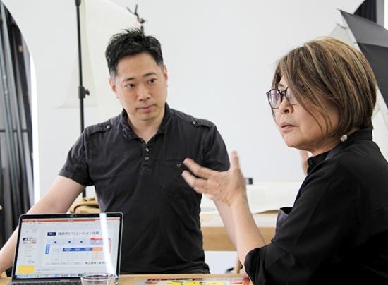 ストーリーライン株式会社CEOの北澤順子さん(右)と、同CTOの加藤和明さん(左)(写真撮影:中島有里子)