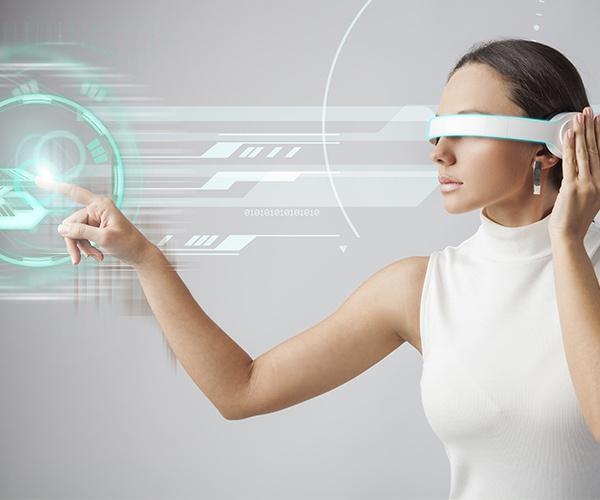 進歩する機器利用のバリアフリー、 未来の常識は「持たない」「触れない」(前編)