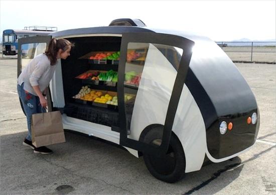 (写真1)自動運転で生鮮食品を届ける無人型移動販売店舗「Robomart」