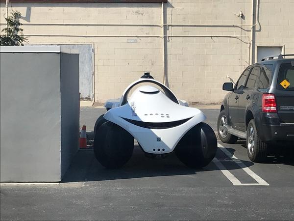(写真4)ナイトスコープが開発中の「K7」は軽自動車くらいの大きさで4輪で移動する。(ナイトスコープのホームページより引用)