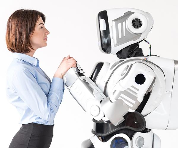 ロボットと人間はハグできるのか? ソフトロボットがかなえる夢の世界