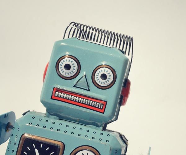 ロボットの顔はどんどん人間に近づく 良好な関係を結ぶため表情を豊かに