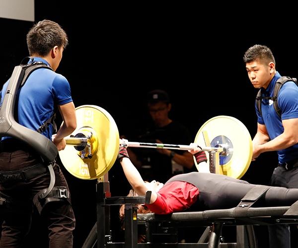 パラリンピックの舞台でロボット技術が活躍 トップ選手も認めたパワーアシストスーツの効果に迫る