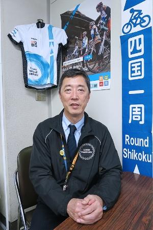愛媛県企画振興部自転車新文化推進課の河上芳一課長(写真撮影:筆者)