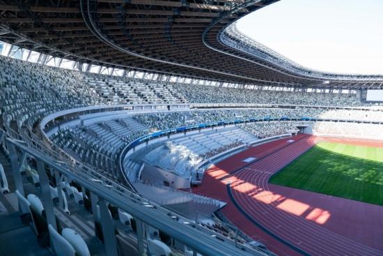 4階の車いす席から。どこからも見やすく、歓声が選手に届きやすいスタジアムであると感じた(写真:吉成大輔)