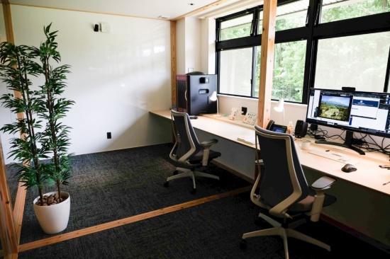 3Dプリンターも備えたラボ兼オフィス
