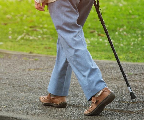 スマホで注文できるインソールは 100歳まで健康に歩くためのソリューション
