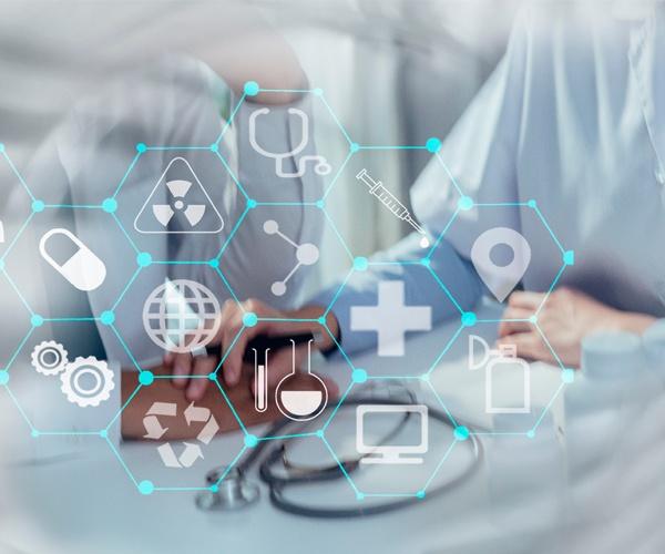 巨大ITプレーヤーが開拓する医療テック最前線