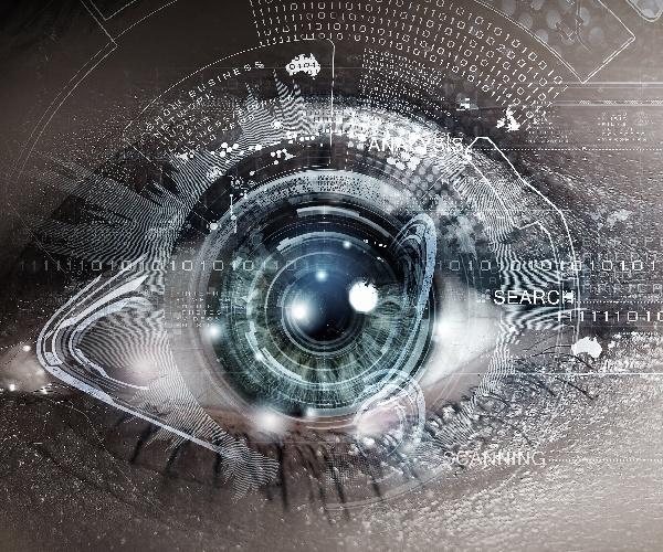 現役の眼科医が開発、スマホ装着型デバイスが失明を救う(後編)