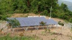 シャン州に設置した太陽光発電システム(出所:NECネッツエスアイ)