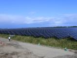 八雲町に姿を現した国内最大の「蓄電池併設メガソーラー」