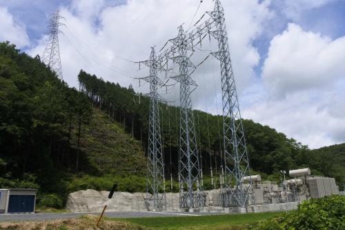 図2●総延長17kmの地下ケーブルを経て変電所から中国電力の系統に接続