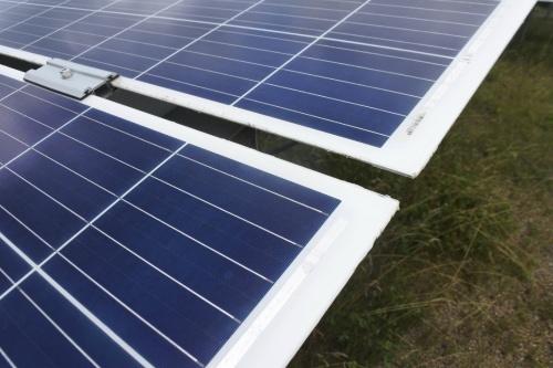 図3●太陽光パネルは、トリナ・ソーラー製多結晶シリコン・両面ガラスタイプを採用