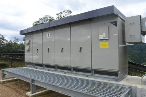 図4●PCSは、東芝三菱電機産業システム(TMEIC)製2.5MW機を採用した
