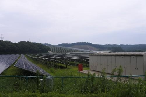 図2●太陽光パネルの出力で約41MWの「霧島サンデー発電所」