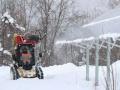 パネルの雪を夜中「吹き飛ばす」、積もらせない雪対策