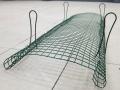 フェンスを守る新・イノシシ対策、蹄にネットが絡まり嫌気