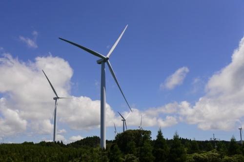 図1●23基で合計出力64.8MWの「串間風力発電所」