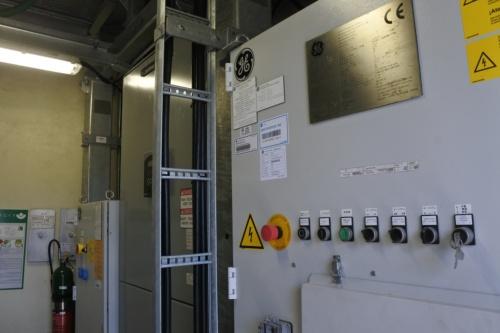 図9●風力発電設備のタワー内部にPCS、変圧器、リングメインユニットが収納されている