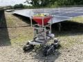 ロボットが除草剤を散布、メガソーラーで活躍