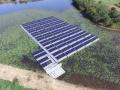 「水を抜く池」で低圧・水上太陽光、「両面発電」「パネル毎監視」も採用