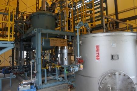図4●旭化成製のアルカリ型水電解装置