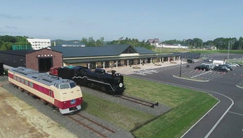 図3●「道の駅あびらD51ステーション」の全景。イベント時には機関車をSL車庫から出して野外に展示する