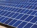 太陽光パネル・部材市場、供給過剰で弱含み、調査会社が見通し