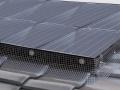 太陽光パネルの鳥害対策フェンス、施工性高めた新製品