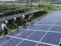 生分解性溶液による太陽光パネル洗浄、周辺環境に配慮