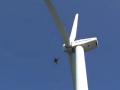 ドローンの自律飛行で風車を撮影、点検時間を短縮