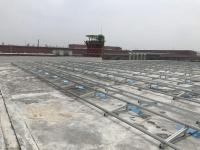 建設中の太陽光発電設備