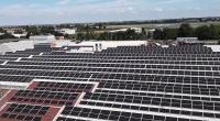太陽光パネルを設置したイタリア工場