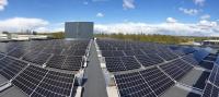 太陽光パネルを設置したスウェーデン工場
