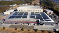 THKリズム九州工場の太陽光パネル