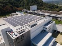 屋上の太陽光パネル