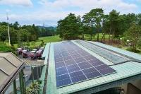 琵琶湖カントリー倶楽部クラブハウス屋根上の太陽光発電設備
