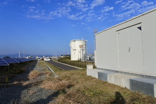 図6●PCSは東芝三菱電機産業システム(TMEIC)製を採用